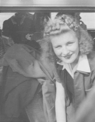 1942 Elsie Andersen smiling