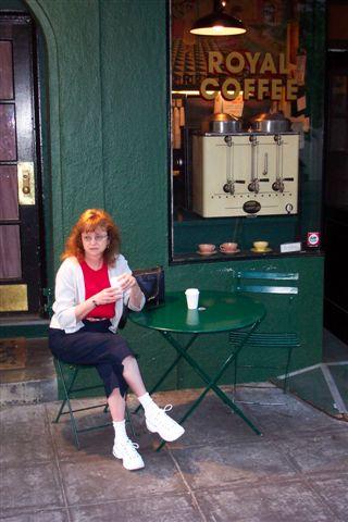 090330 Berkeley Linda at coffee shop