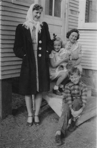 1943 Elsie, Norma, Ellen and Rick Andersen